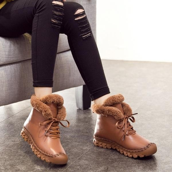 коричневые ботинки с мехом на тракторной подошве