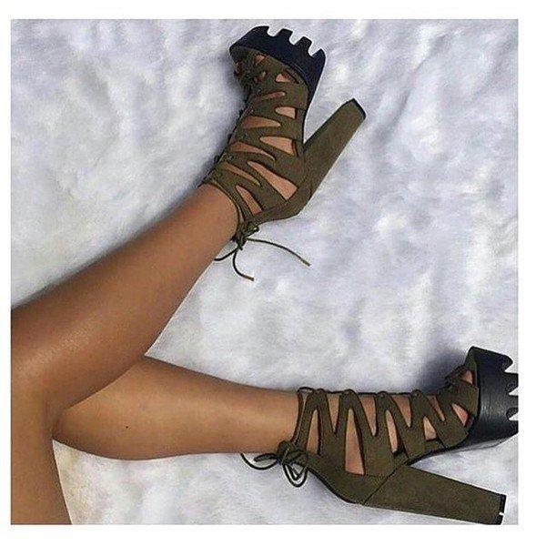 с чем носить обувь на тракторной подошве: высокие замшевые босоножки