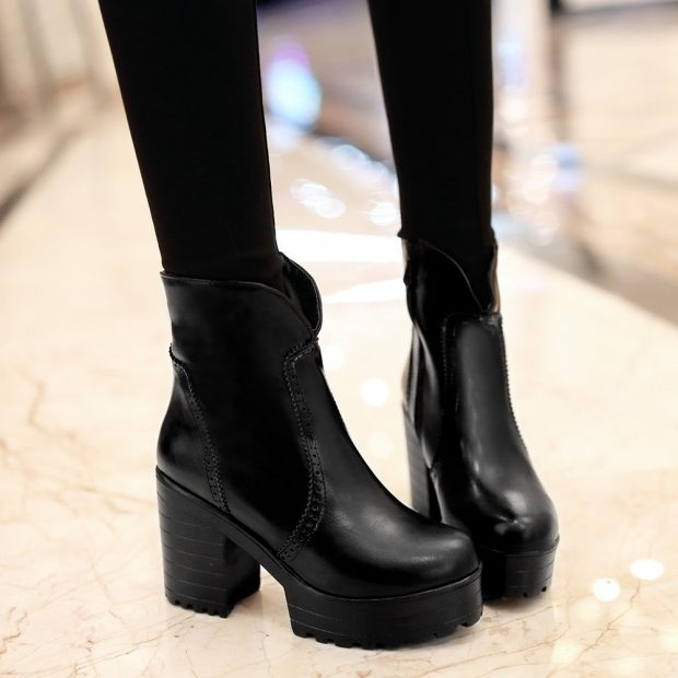 черные ботинки на тракторной подошве без застежки