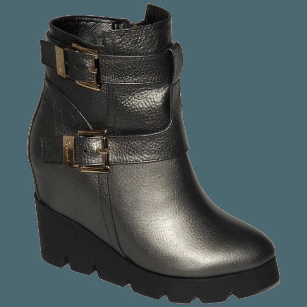 серебристые ботинки на тракторной подошве