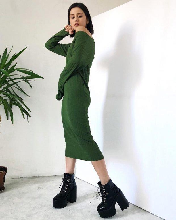 с чем носить обувь на тракторной подошве: зеленое платье