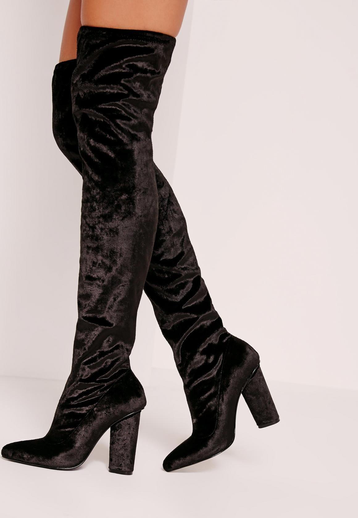 черные бархатные ботфорты