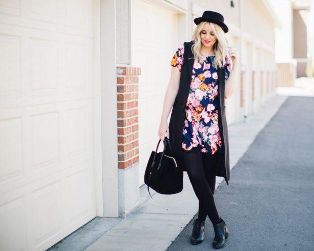 черный жилет и цветочная блуза