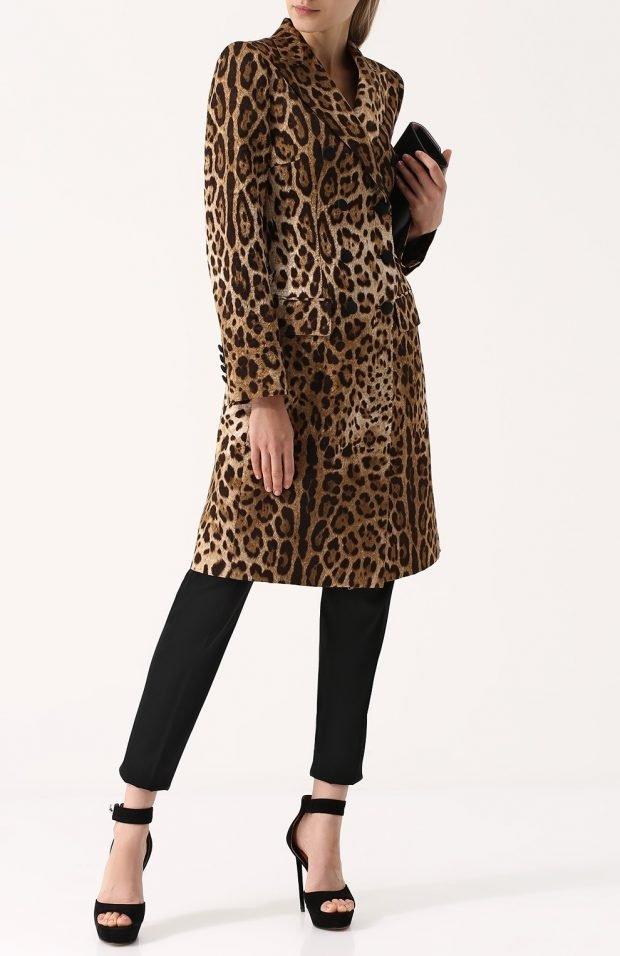 модные образы весна лето 2019: леопардовое пальто и темные брюки