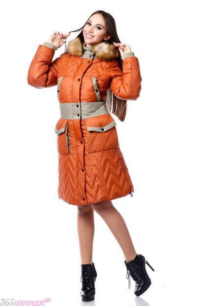 модная верхняя одежда осень зима 2018 2019: оранжевый пуховик с карманами