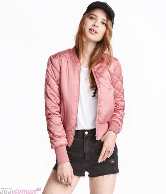 модная верхняя одежда осень зима 2018 2019: розовый атласный бомбер
