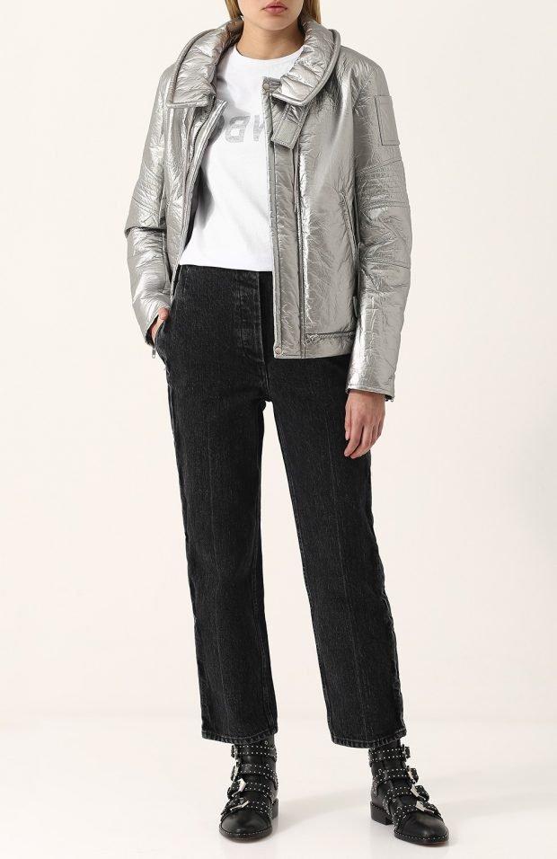тенденции верхней одежды осень зима 2019 2020: серебристая кожаная куртка