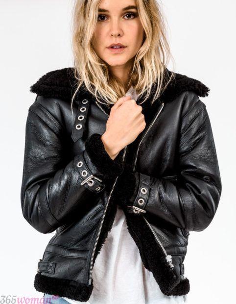 тенденции верхней одежды осень зима 2018 2019: теплая черная кожаная куртка