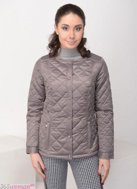 тенденции верхней одежды осень зима 2018 2019: серая стеганая куртка