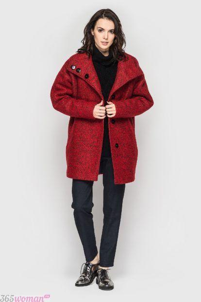 мода верхней одежды осень зима 2018 2019: короткое пальто цвета марсала