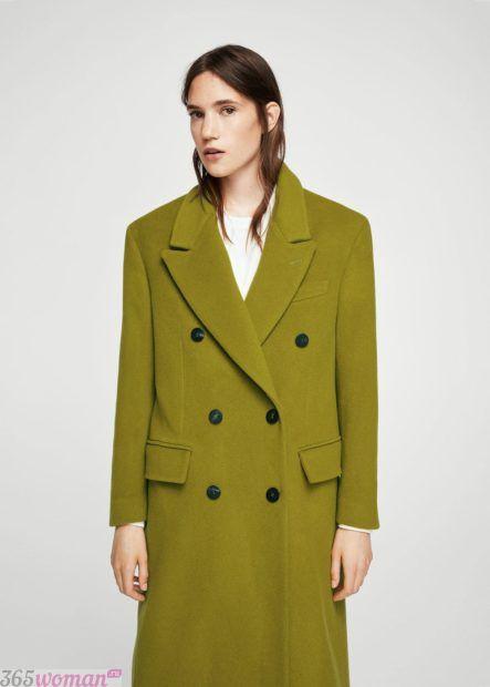 мода верхней одежды осень зима 2018 2019: оливковое пальто оверсайз