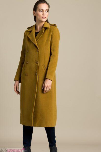 мода верхней одежды осень зима 2018 2019: длинное горчичное пальто