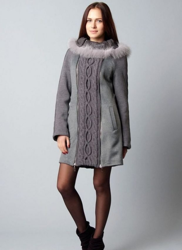 серое пальто с вязаной вставкой
