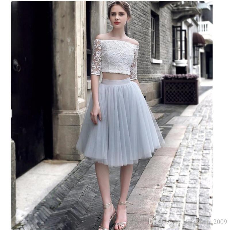 серая юбка пачка и белый кружевной топ