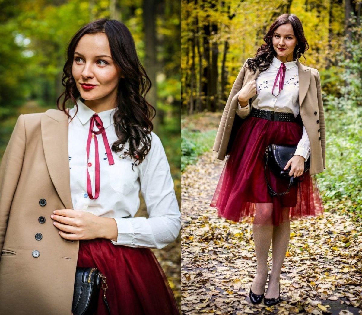 бордовая юбка пачка и светлое пальто