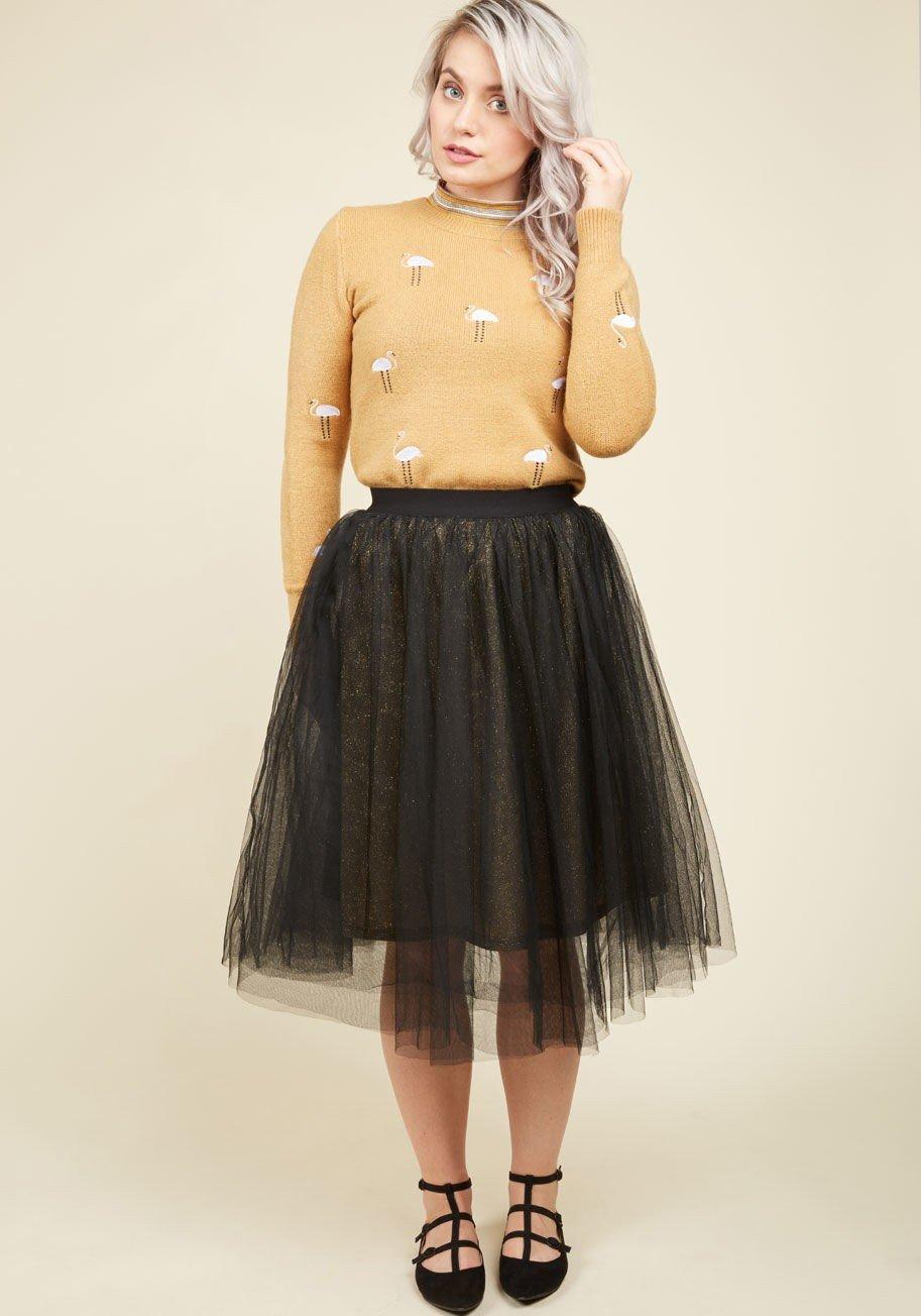 черная юбка пачка до колена и свитер