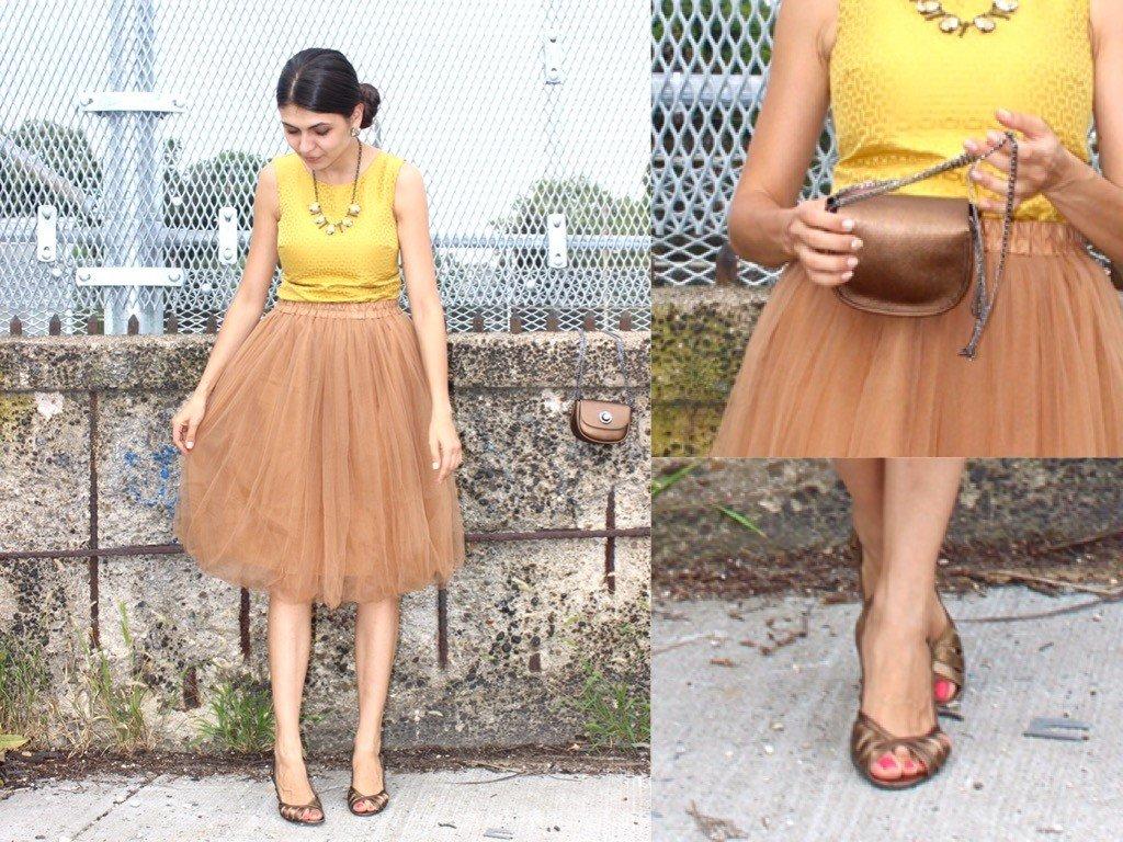бежевая юбка пачка, туфли и сумка