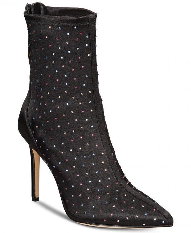 модные сапоги весна 2020: черные на шпильке с камнями