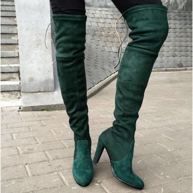 женская обувь осень 2019 2020: зеленые замшевые ботфорты