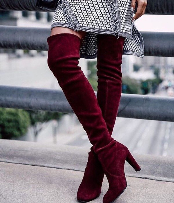 женская обувь осень 2019 2020: бордовые замшевые ботфорты