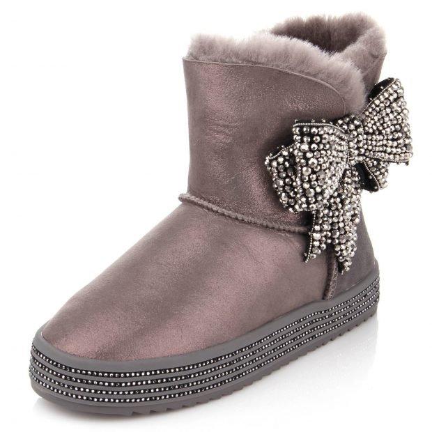 зимняя обувь женская 2019 2020: короткие угги с бантом