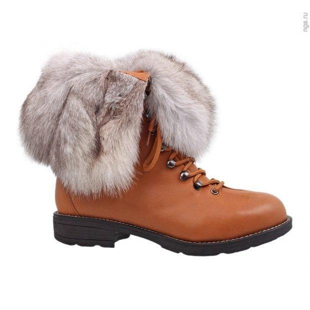 женская обувь осень зима 2019 2020: полусапожки с мехом светлые