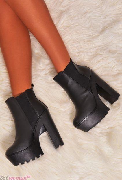 ботинки на высоком устойчивом каблуке