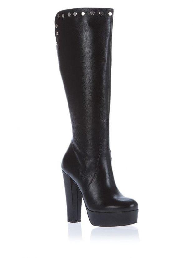 черные кожаные сапоги на толстом каблуке