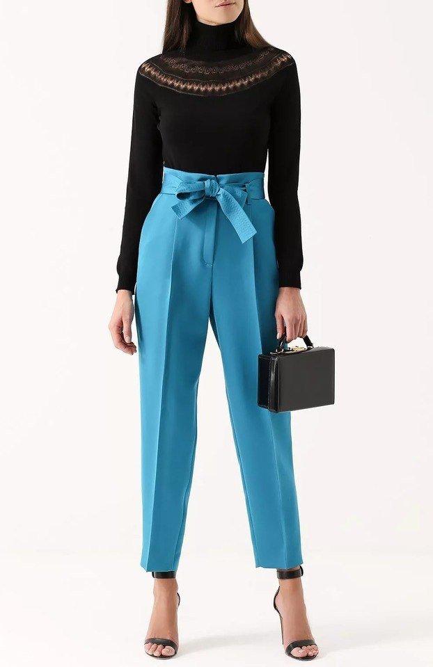 с чем носить брюки с завышенной талией синие с бантом короткие