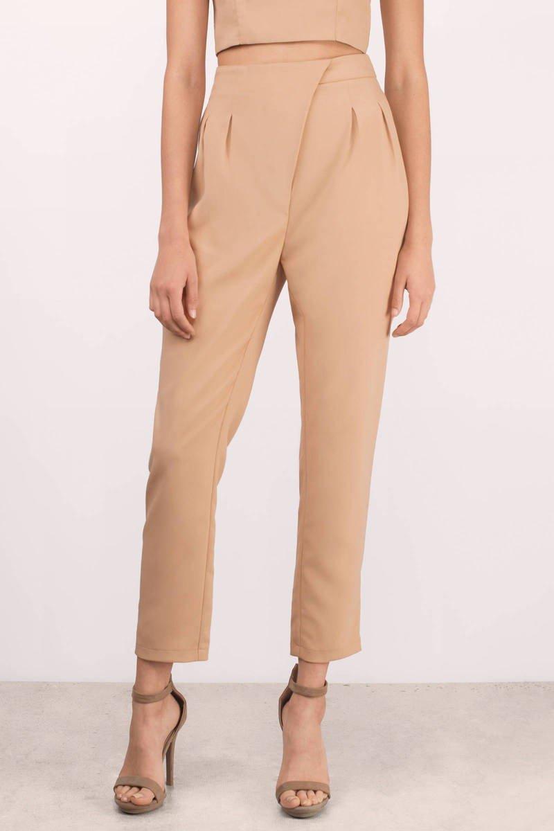 с чем носить брюки с завышенной талией бежевые с защипами