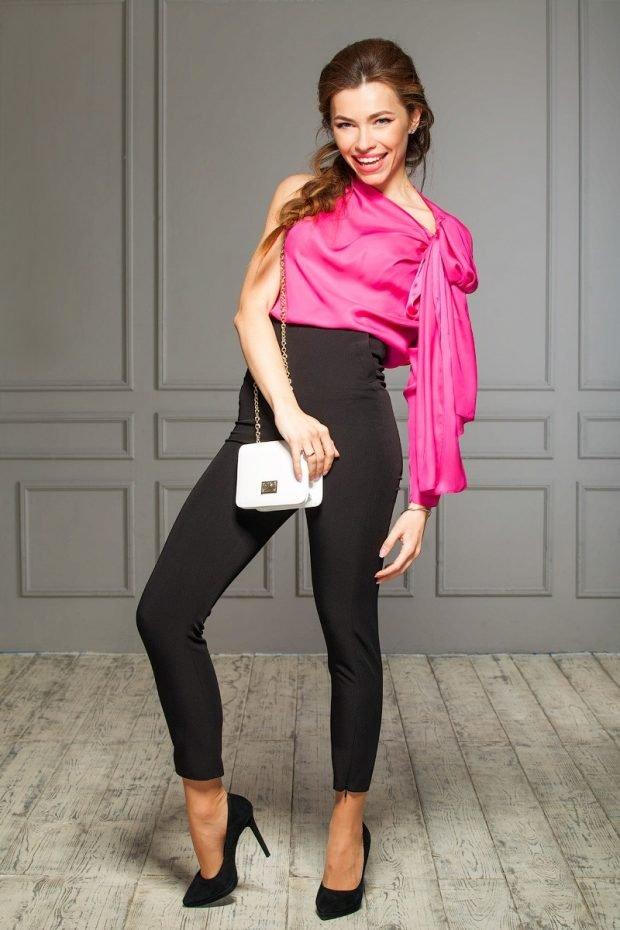 с чем носить брюки с завышенной талией черные под блузку розовую