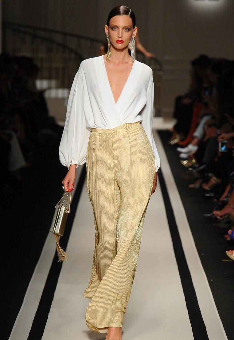 с чем носить брюки с завышенной талией песочного цвета широкие под блузку