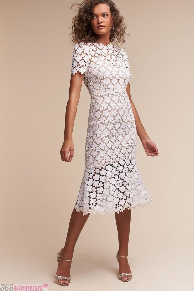 что надеть на день святого валентина: белое кружевное платье футляр