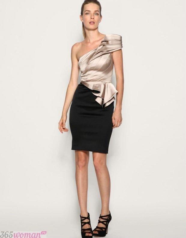 что одеть на день святого валентина 2021: золотисто-черное платье на одно плечо