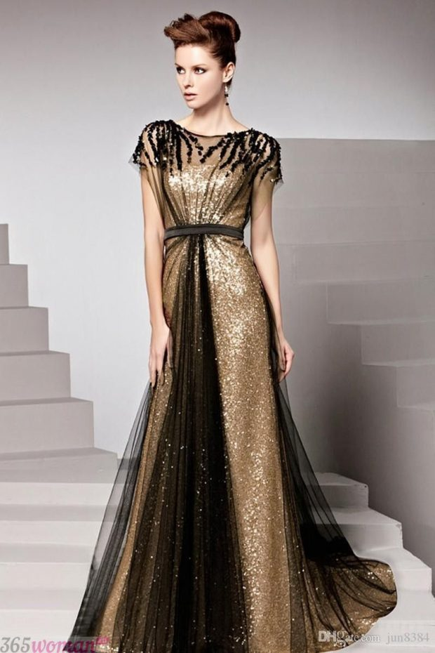 Что одеть на новогодний корпоратив: черное с золотом платье в пол