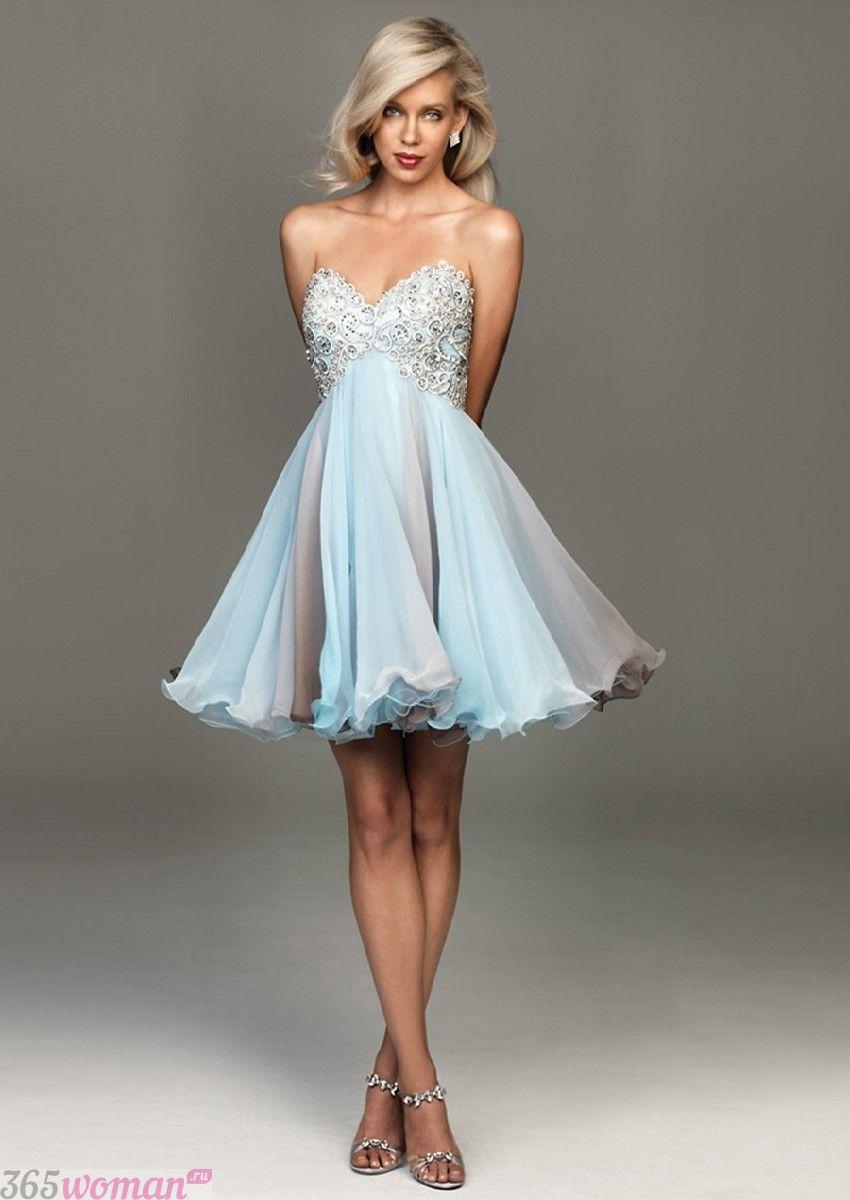 Что одеть на новогодний корпоратив: светлое платье с пышной юбкой