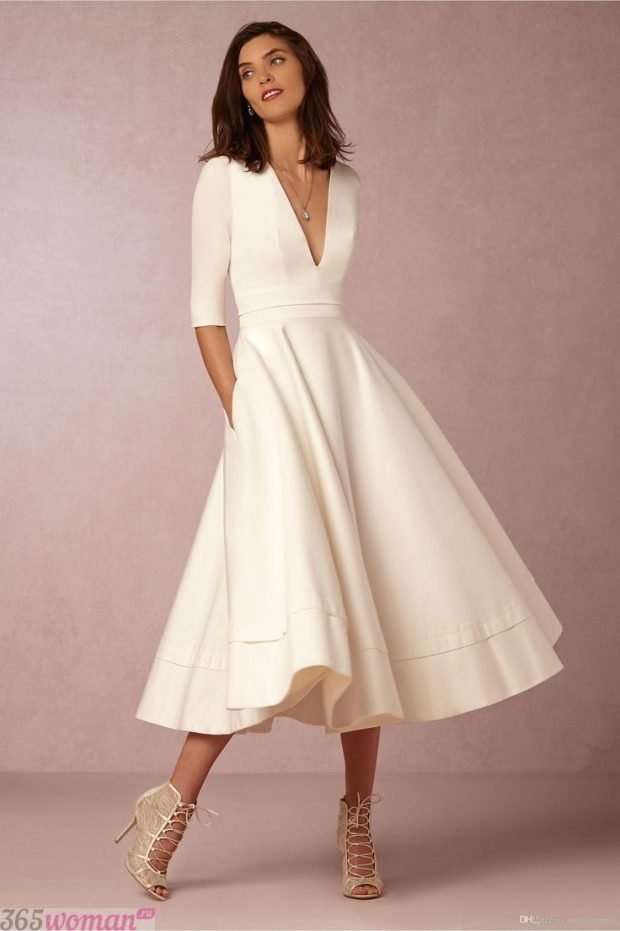 Что одеть на новогодний корпоратив: платье миди молочного цвета