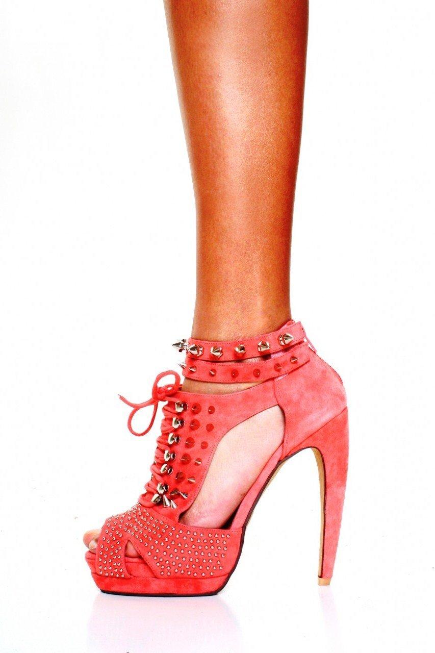 коралловые босоножки со шнуровкой с чем носить
