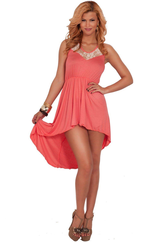 коралловое платье удлиненное сзади и босоножки с чем носить