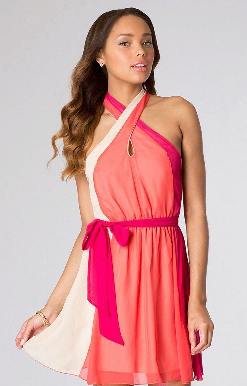 коралловое платье с разноцветными вставками