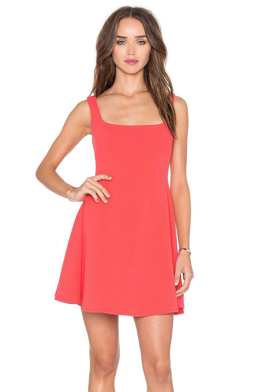 с чем носить короткое коралловое платье