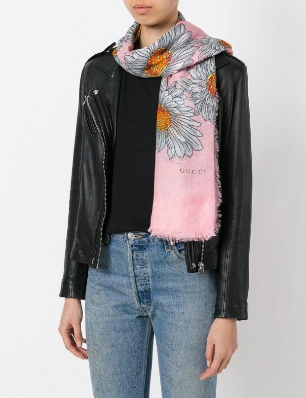 модные шарфы 2019 2020: тканевый розовый в цветы