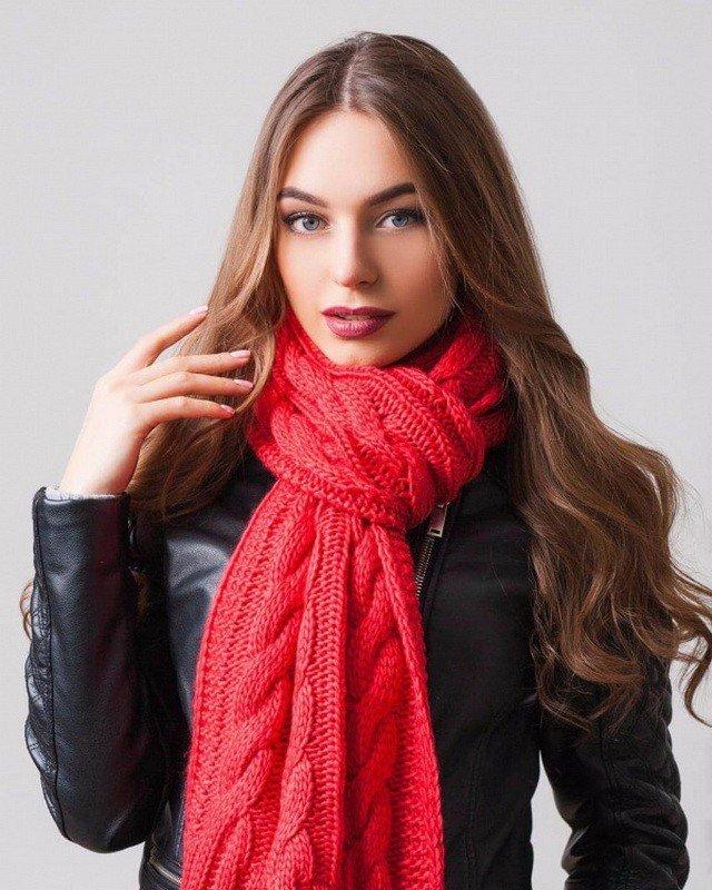 шарфы 2019 2020: красный вязка с узором