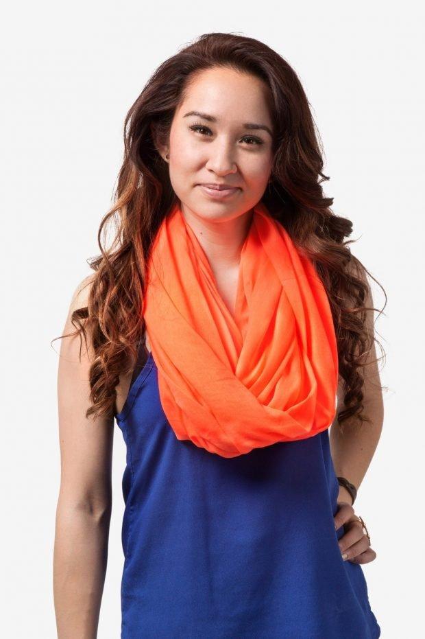 модные шарфы 2019 2020: хомут оранжевый из ткани