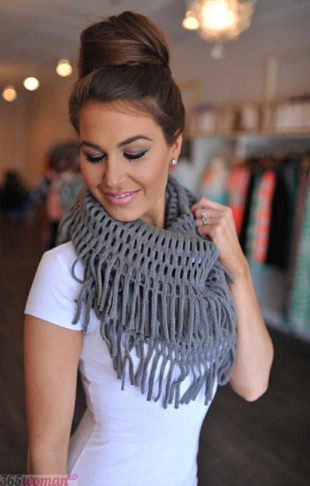 шарф 2019 2020: серый вязаный с бахромой