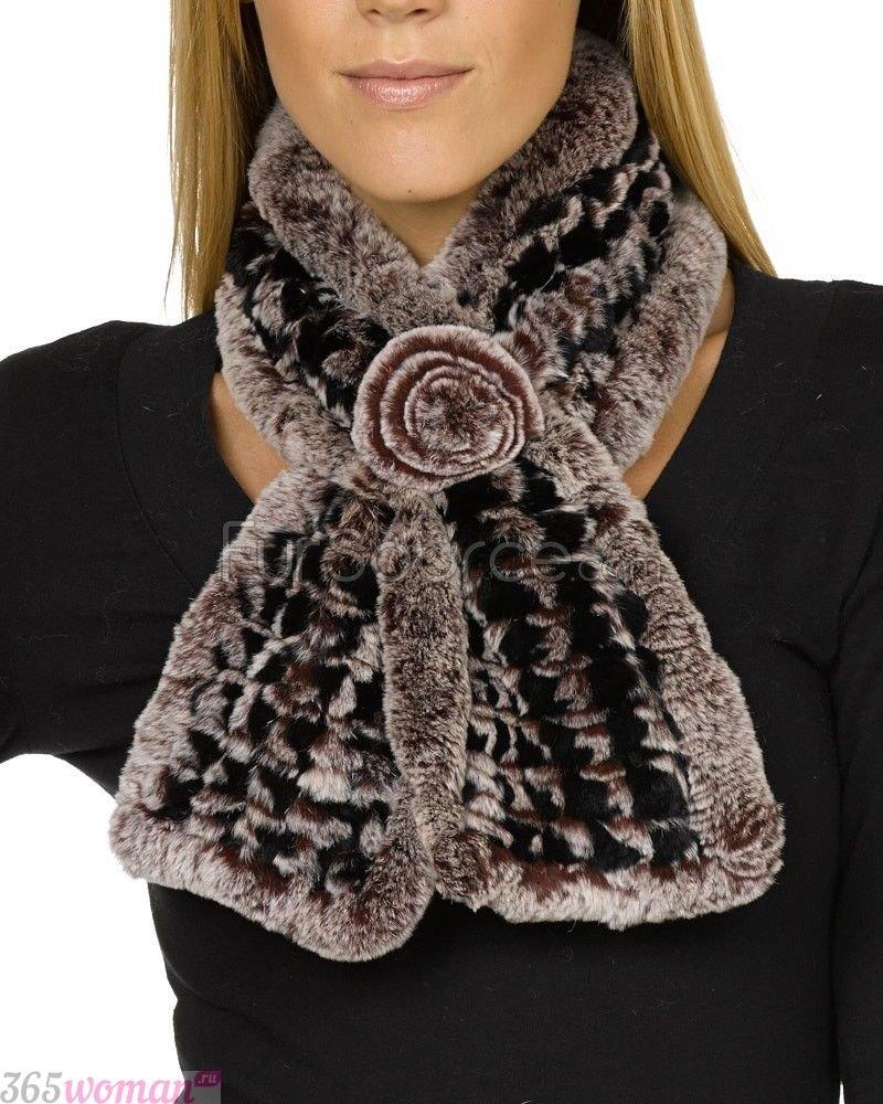 меховой шарф с декором
