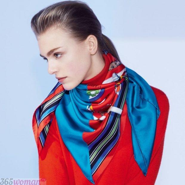 модный шарф 2019 2020: сине-красный шелковый