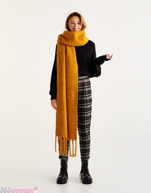 модный шарф 2019 2020: длинный оверсайз горчичного цвета