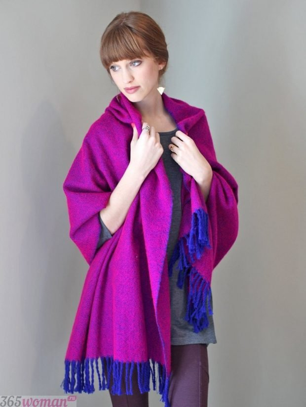 модный шарф 2019 2020: оверсайз цвета фуксии