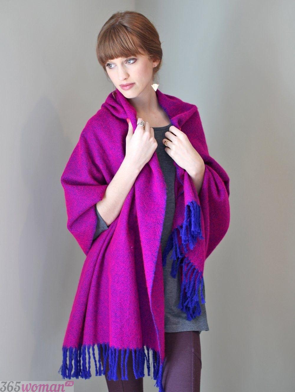 шарф оверсайз цвета фуксии